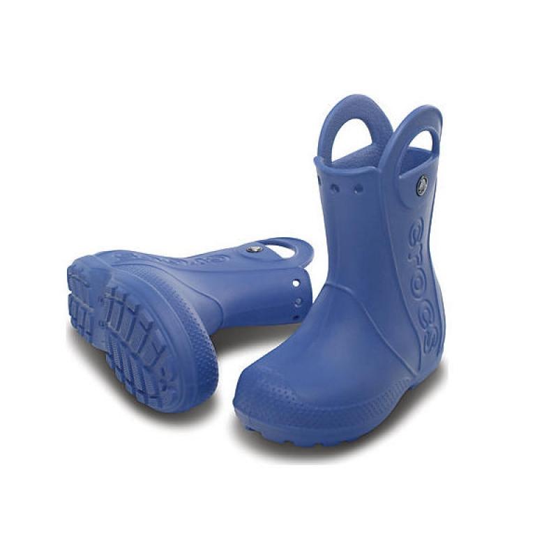ada893db2e6d Crocs` støvel Handle It Boot er den modellen som skiller seg aller mest fra  resten ved at den verken er laget av de materialene vi er vant til