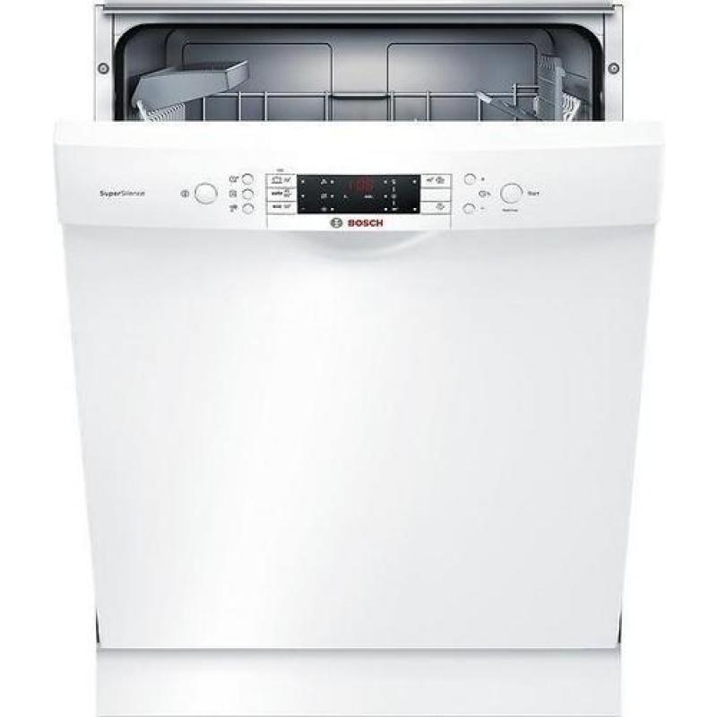 Vaskemaskin som lekker under og lager lyd