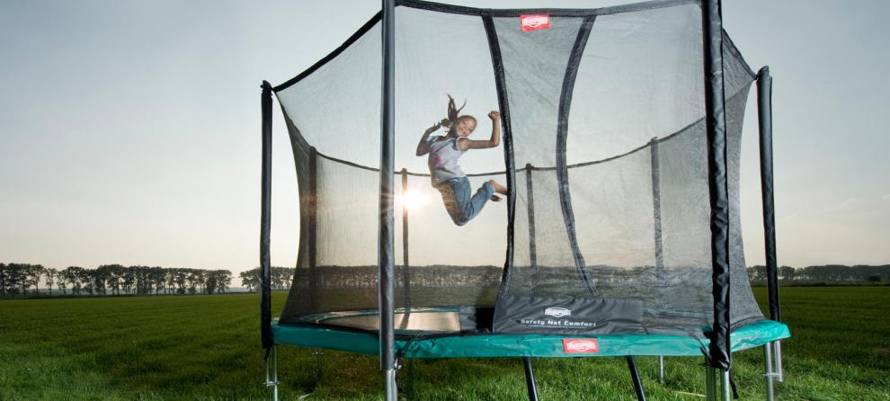 test trampoline 2016 lufting mellom isolasjon og undertak. Black Bedroom Furniture Sets. Home Design Ideas